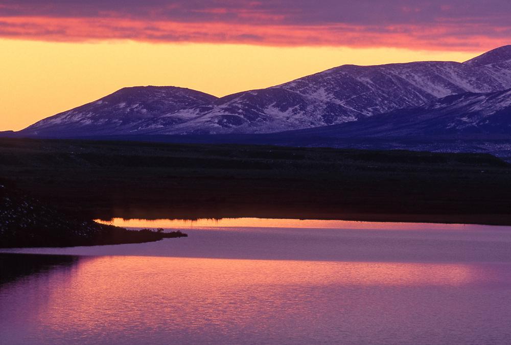 Evening light, Matcharak Lake, Noatak River area, Gates of the Arctic National Park, AK, USA