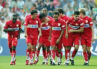 Fotball<br /> Bundesliga Tyskland<br /> Foto: Witters/Digitalsport<br /> NORWAY ONLY<br /> <br /> 16.09.2006<br /> 2:2 Jubel Ausgleich VfB Stuttgart,  v.l. Boka, Ricardo Osorio, Pavel Pardo, Antonio Da Silva, Serdar Tasci, Daniel Bierofka<br /> Bundesliga SV Werder Bremen - VfB Stuttgart 2:3