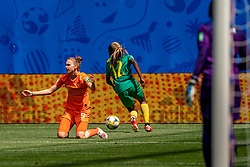 15-06-2019 FRA: Netherlands - Cameroon, Valenciennes<br /> FIFA Women's World Cup France group E match between Netherlands and Cameroon at Stade du Hainaut / Vivianne Miedema #9 of the Netherlands, Claudine Meffometou #12 of Cameroon