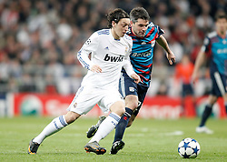 16.03.2011, Stadio Santiago di Bernabeu, Madrid, ESP, UEFA CL, Real Madrid vs Olympique de Lyon, im Bild Real Madrid's Mesut zil against Olympique de Lyon's Jeremy Toulalan during Champions League match. March 16, 2011. . EXPA Pictures © 2011, PhotoCredit: EXPA/ Alterphotos/ Alvaro Hernandez +++++ ATTENTION - OUT OF SPAIN / ESP +++++