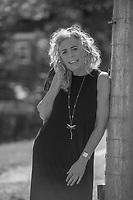 Dana Meade photo shoot at Stone Brook Farm in Gilford, NH.  ©2021 Karen Bobotas Photographer