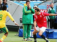 Fotball , 10. oktober 2009 , Privatkamp , Norge - Sør-Afrika<br /> Norway - South-Africa 1-0<br /> <br /> trener Sør-Afrika , Joel Natalino Santana
