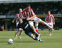 Photo: Chris Ratcliffe.<br />Southend United v Sunderland. Coca Cola Championship. 19/08/2006.<br />Daryl Murphy (R) of Sunderland clashes with Steven Hammell of Southend.