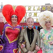 NLD/Amsterdam/20120813 - Premiere Sensations van Circus Herman Renz, dragqueens, rchts Edwin van Collenburg