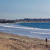 USA, California, San Diego. Pacific Beach with Crystal Pier.