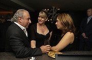Philip Green, Mrs. Robert Fox and Alexandra Shulman. The Vogue Winter party to celebrate the Vogue List. Nobu Berkeley. London.   8 November 2005 . ONE TIME USE ONLY - DO NOT ARCHIVE © Copyright Photograph by Dafydd Jones 66 Stockwell Park Rd. London SW9 0DA Tel 020 7733 0108 www.dafjones.com