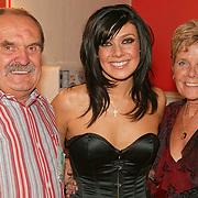 20031028-Kym Marsh and family