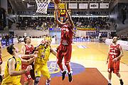 DESCRIZIONE : Ancona Lega A 2012-13 Sutor Montegranaro Trenkwalder Reggio Emilia<br /> GIOCATORE : Donnel Taylor<br /> CATEGORIA : tiro penetrazione<br /> SQUADRA : Trenkwalder Reggio Emilia<br /> EVENTO : Campionato Lega A 2012-2013 <br /> GARA : Sutor Montegranaro Trenkwalder Reggio Emilia<br /> DATA : 11/11/2012<br /> SPORT : Pallacanestro <br /> AUTORE : Agenzia Ciamillo-Castoria/C.De Massis<br /> Galleria : Lega Basket A 2012-2013  <br /> Fotonotizia : Ancona Lega A 2012-13 Sutor Montegranaro Trenkwalder Reggio Emilia<br /> Predefinita :