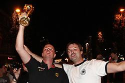 23.06.2010, Leopoldstrasse Schwabing, Muenchen, GER, FIFA Worldcup, Fanfeier nach Ghana vs Deutschland,  im Bild Fans mit Pokal, EXPA Pictures © 2010, PhotoCredit: EXPA/ nph/  Straubmeier / SPORTIDA PHOTO AGENCY