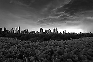 New York. Elevated view on central park. storm and black sky. panoramic view on city skyline  and central park south  New York - United States  / orage et ciel noir. vue panoramique sur le skyline de la ville et central park south  New York - Etats unis