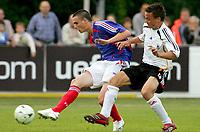 Fotball<br /> UEFA U17 Championships<br /> 04.05.2007<br /> Frankrike v Tyskland<br /> Foto: Imago/Digitalsport<br /> NORWAY ONLY<br /> <br /> Damien Le Tallec (Frankreich U17, li.) gegen Marvin Pachan (Deutschland U17)