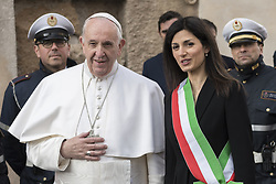 March 26, 2019 - Rome, Italy - POPE FRANCIS is welcomed by Rome's mayor VIRGINIA RAGGI during his visit to the Rome's City Hall. (Credit Image: © Massimo Valicchia/NurPhoto via ZUMA Press)