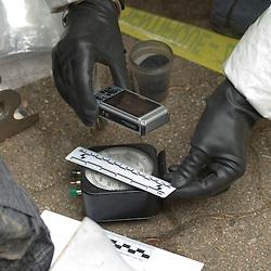 Dernier stage de formation CONSTOX de Constatations en milieu toxique organisé par la Police Technique et Scientifique.<br /> Il regroupe moitié d'enquêteurs OPJ et moitié de techniciens en identité judiciaire, tous répartis sur l'ensemble du territoire français dans des services de Police Judiciaire afin de les préparer à réaliser une enquête et des prélèvements sur une zone contaminée RBC.<br /> mai 2011 / Ecully / Rhône (69) / FRANCE<br /> Cliquez ci-dessous pour voir le reportage complet (147 photos) en accès réservé<br /> http://sandrachenugodefroy.photoshelter.com/gallery/2011-05-Stage-Constox-a-la-PTS-Complet/G0000yLFq2xdyp_Q/C0000yuz5WpdBLSQ