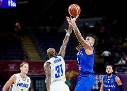 Jamar Wilson of Finland vs Daniel Hackett of Italy during basketball match between National Teams of Finland and Italy at Day 10 in Round of 16 of the FIBA EuroBasket 2017 at Sinan Erdem Dome in Istanbul, Turkey on September 9, 2017. Photo by Vid Ponikvar / Sportida