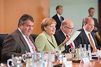 11 JUN 2014, BERLIN/GERMANY:<br /> Sigmar Gabriel, CDU, Bundeswirtschaftsminister, Angela Merkel, CDU, Bundeskanzlerin, Peter Altmaier, CDU, Kanzleramtsminister, und Dr. Helge Braun, CDU, Staatsminister bei der Bundeskanzlerin für Bürokratieabbau, bessere Rechtsetzung und die Koordinierung der Bund-Länder-Beziehungen,, (v.L.n.R.), vor Beginn einer Kabinettssitzung, Bundeskanzleramt<br /> IMAGE: 20140611-02-019<br /> KEYWORDS: Sitzung, Kabinett