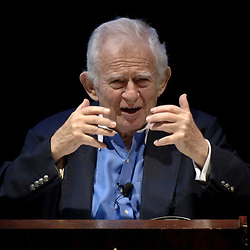Austin, TX 27APR05:  Pulitzer-Prize-winning novelist Norman Mailer, 82,  speaks to an audience at the University of Texas at Austin who will  acquire his more than 10-ton literary archive for $2.5 million. <br /> April 27 2005 ©Bob Daemmrich
