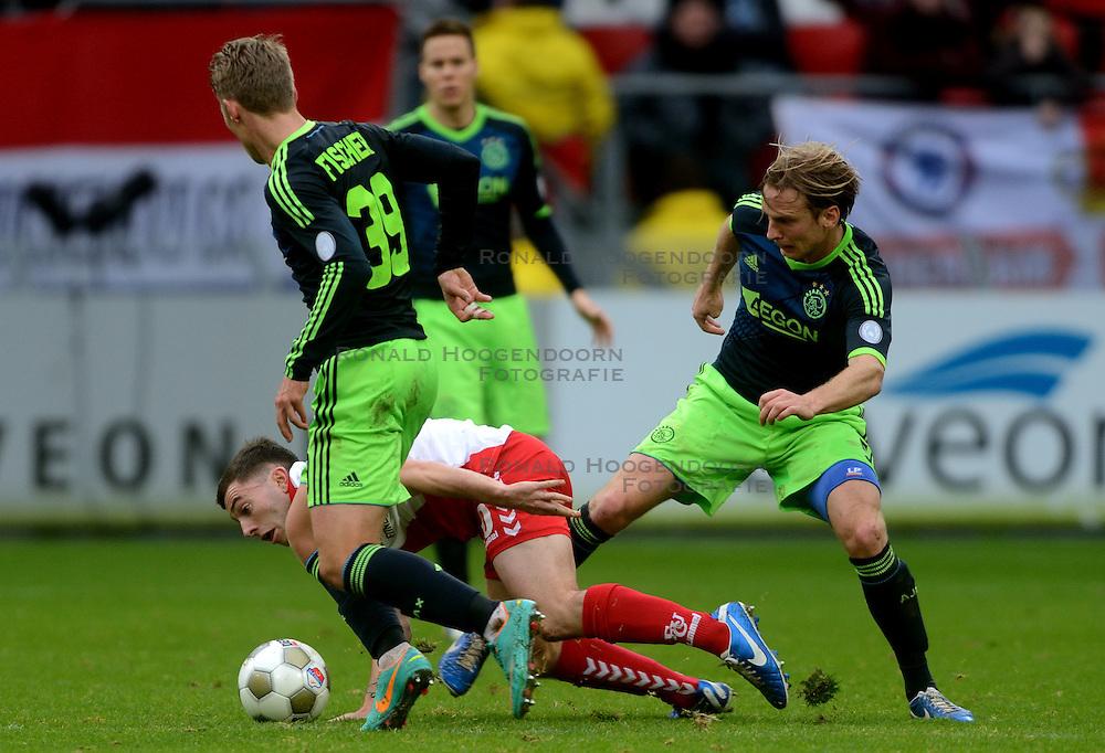 23-12-2012 VOETBAL: FC UTRECHT - AFC AJAX: UTRECHT<br /> Utrecht speelt 0-0 tegen een beter Ajax / (L-R) Viktor Fischer, Thomas Oar, Christian Poulsen<br /> ©2012-FotoHoogendoorn.nl