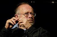 """22 AUG 2005, BERLIN/GERMANY:<br /> Juergen Flimm, Regisseur, waehrend einer Diskussion zum Thema """"7 Jahre rot-gruene Kulturpolitik"""", Palais der Kulturbrauerei<br /> IMAGE: 20050822-03-081<br /> KEYWORDS: Jürgen Flimm"""