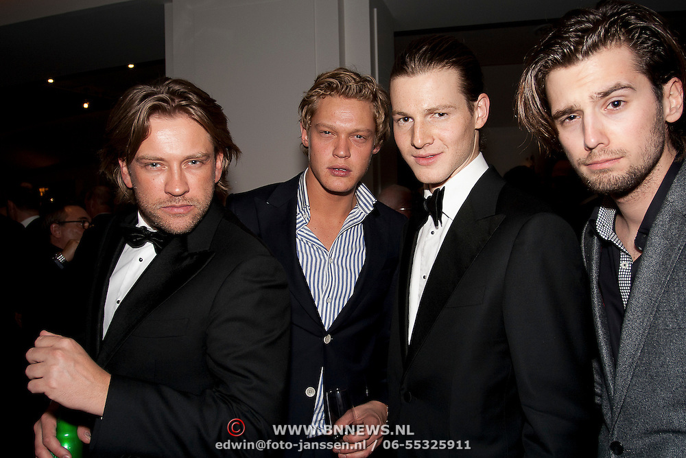 Ferri Somogyi, Ferry Doelens,Guido Spek en Ruud Feltkamp samen op foto