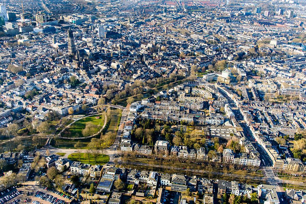 Nederland, Utrecht, Utrecht, 07-02-2018; Oudwijk met Maliebaan overgaand in Zocherpark met Maliesingel.<br /> Inner city Utrecht w park.<br /> luchtfoto (toeslag op standard tarieven);<br /> aerial photo (additional fee required);<br /> copyright foto/photo Siebe Swart