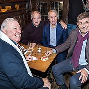 NLD/Amsterdam/20161125 - Boekpresentatie Johnny Rep Biografie, oud voetballers, vlnr. Eeinz Stuy,