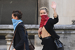 © Licensed to London News Pictures. 22/07/2020. London, UK. American actors JOHNNY DEPP and AMBER HEARD arrive at the High Court in London where Johnny Depp is in a legal dispute with UK tabloid newspaper The Sun over allegations he assaulted his former wife, Amber Heard. Photo credit: Ben Cawthra/LNP