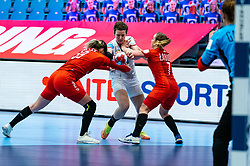 Natalia Nosek of Poland, Alina Grijseels of Germany, Aneta Labuda of Poland during the Women's EHF Euro 2020 match between Germany and Poland at Sydbank Arena on december 07, 2020 in Kolding, Denmark (Photo by RHF Agency/Ronald Hoogendoorn)
