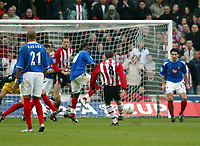 Fotball<br /> FA-cup 2005<br /> Southampton v Portsmouth<br /> 29. januar 2005<br /> Foto: Digitalsport<br /> NORWAY ONLY<br /> Matt Oakley strikes home the first goal for Southampton