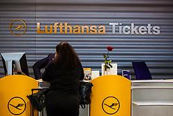 THEMENBILD - Airport Muenchen, Franz Josef Strauß (IATA: MUC, ICAO: EDDM), Der Flughafen Muenchen zählt zu den groessten Drehkreuzen Europas, rund 100 Fluggesellschaften verbinden ihn mit 230 Zielen in 70 Laendern, im Bild ein Passagier an einem Lufthansa Ticket Schalter wird bedient // THEME IMAGE, FEATURE - Airport Munich, Franz Josef Strauss (IATA: MUC, ICAO: EDDM), The airport Munich is one of the largest hubs in Europe, approximately 100 airlines connect it to 230 destinations in 70 countries. picture shows: a passenger on a Lufthansa ticket counter, Munich, Germany on 2012/05/06. EXPA Pictures © 2012, PhotoCredit: EXPA/ Juergen Feichter