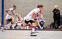ARNHEM - Kiki Collot d'Escury van A'dam. , De vrouwen van Amsterdam tijdens de eerste dag van de zaalhockey competitie in de hoofdklasse, seizoen 2013/2014. FOTO KOEN SUYK