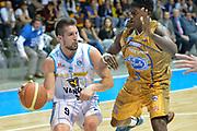 DESCRIZIONE : Desio Lega A 2014-15 <br /> Acqua Vitasnella Cantù vs Vagoli Basket Cremona<br /> GIOCATORE : Mian Fabio<br /> CATEGORIA : Passaggio<br /> SQUADRA : Vagoli Basket Cremona<br /> EVENTO : Campionato Lega A 2014-2015 GARA :Acqua Vitasnella Cantù vs Vagoli Basket Cremona<br /> DATA : 20/04/2015 <br /> SPORT : Pallacanestro <br /> AUTORE : Agenzia Ciamillo-Castoria/IvanMancini<br /> Galleria : Lega Basket A 2014-2015 Fotonotizia : Desio Lega A 2014-15 Acqua Vitasnella Cantù vs Vagoli Basket Cremona<br /> Predefinita: