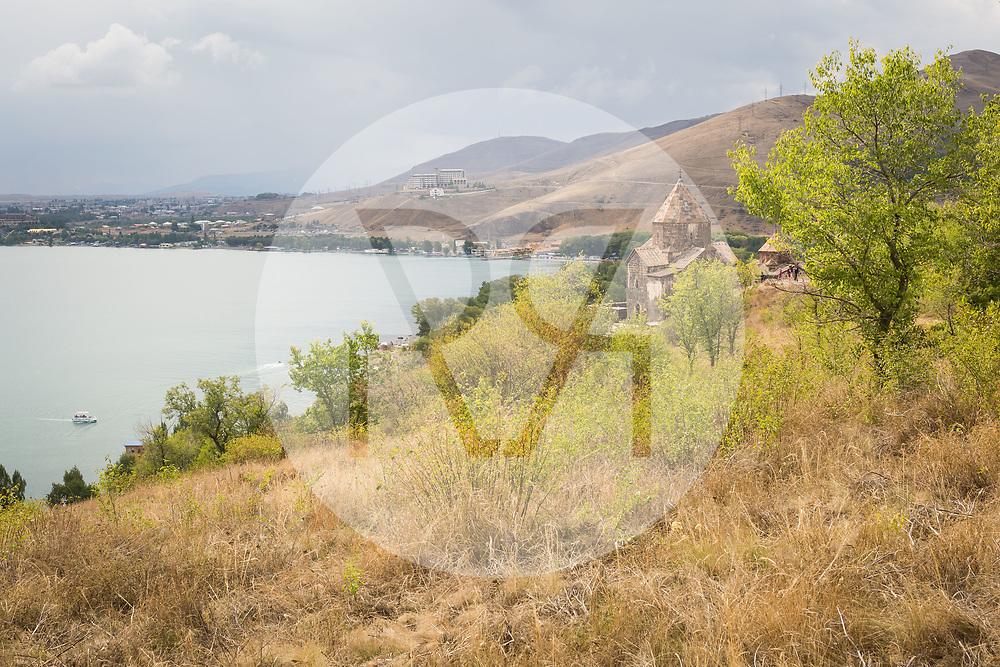 ARMENIEN - SEVAN - Heilige Apostelkirche des Klosters Sewanawak am Sewansee - 07. September 2019 © Raphael Hünerfauth - http://huenerfauth.ch