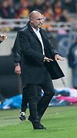 18.10.2014 Bialystok Mecz 12.kolejki T-Mobile Ekstraklasy sezonu 2014/15 pomiedzy Jagiellonia Bialystok ( zolto-czerwone ) a Pogonia Szczecin ( biale ) zakonczony wynikiem 5 : 0. Spotkanie odbylo sie po raz pierwszy na ukonczonym Stadionie Miejskim. Obiekt moze pomiescic 22 tys widzow, kosztowal ok. 250 mln zlotych N/z trener Jagiellonii trener Michal Probierz fot Michal Kosc / AGENCJA WSCHOD