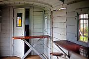 Kościerzyna, 2011-07-06. Wnętrze starego wagonu, Muzeum Kolejnictwa w Kościerzynie, dawny Skansen Parowozownia Kościerzyna