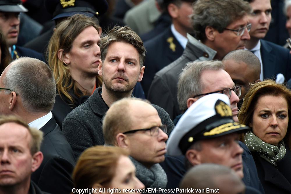 Nationale Dodenherdenking 2017 op de dam in Amsterdam. /// National Remembrance Day 2017 on the dam in Amsterdam.<br /> <br /> Op de foto / On the photo:  De Jeugd van Tegenwoordig