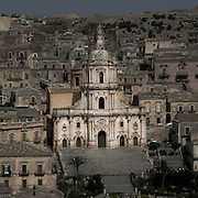 Modica, città sui Monti Iblei assiema alla Val di Noto fa parte del Patrimonio dell'Unesco in Italia.Chiesa madre di San Giorgio a Modica...Modica a city situated in the Hyblaean Mountains and, along with Val di Noto, is part of Unesco Heritage Sites in Italy..The Cathedral of San Giorgio in Modica