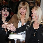 NLD/Haarzuilens/20120425 - Opening tentoonstelling Bruidjes van de Haar, Laura Fygi, Daphne Deckers, en Mariska Bauer - Rosenberg