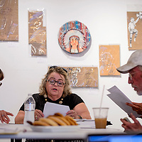 081215       Cable Hoover<br /> <br /> GallupARTS interim president Mary Ellen Pellington leads a meeting of the GallupARTS board Wednesday at Art123 Gallery in Gallup.