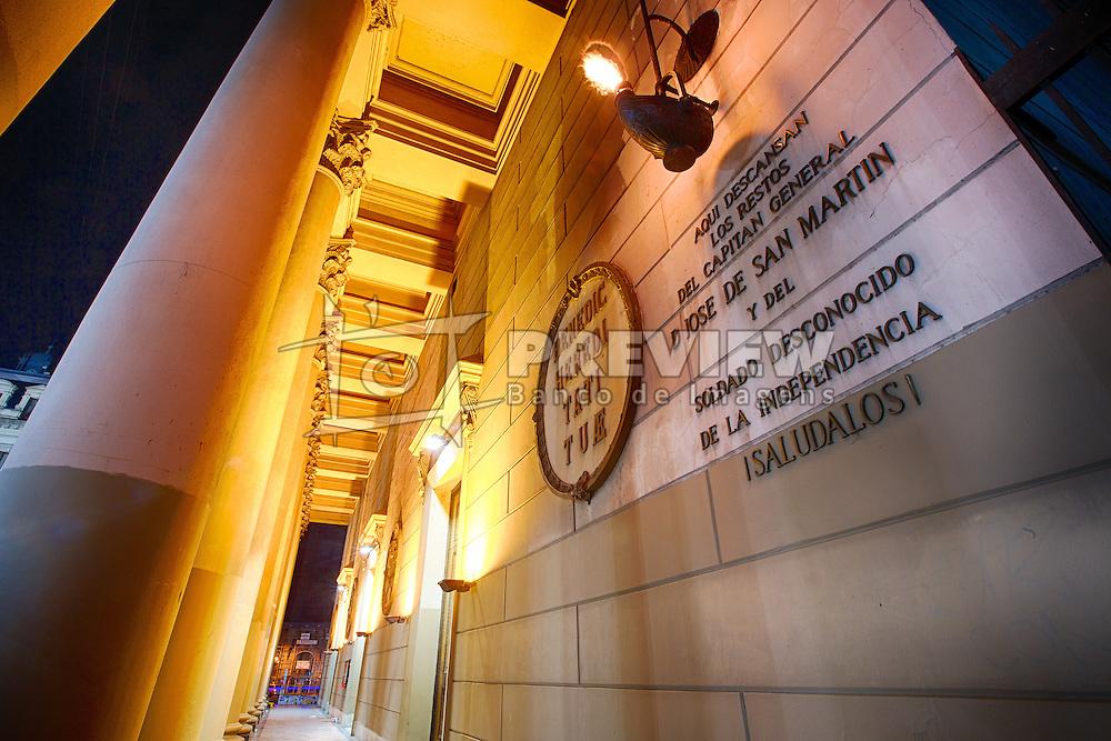 A Catedral Metropolitana de Buenos Aires é a principal igreja católica em Buenos Aires, capital da Argentina. Localiza-se no centro da cidade, diante da Praça de Maio, na esquina das ruas San Martín e Rivadavia, no bairro de San Nicolás. É a igreja-mãe da Arquidiocese de Buenos Aires. FOTO: Jefferson Bernardes/Preview.com