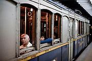 Buenos Aires, Argentina...Imagens da cidade de Buenos Aires, capital da Argentina. Na foto Estacao Trem Retiro...The Buenos Aires city. In this photo the Retiro railroad station...Foto: JOAO MARCOS ROSA / NITRO