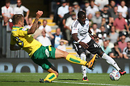 Fulham Forward Aboubakar Kamara  ® evades Norwich City Defender Marcel Franke (L). EFL Skybet football league championship match, Fulham  v Norwich city at Craven Cottage in London on Saturday 5th August 2017.<br /> pic by Steffan Bowen, Andrew Orchard sports photography.