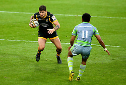 Guy Thompson of Wasps takes on George Wacokecoke of Newcastle Falcons - Mandatory by-line: Robbie Stephenson/JMP - 29/07/2017 - RUGBY - Franklin's Gardens - Northampton, England - Wasps v Newcastle Falcons - Singha Premiership Rugby 7s