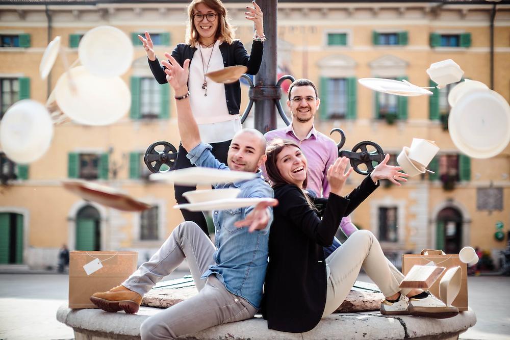 """18 OCT 2016 - Valeggio sul Mincio (VR) - """"Goodmorning Paper"""", stoviglie di carta: Karin Zambreri, Erika Zambreri (occhiali), Daniele Gaspari, Cristian Pecori (occhiali)."""