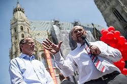 22.05.2014, Stephansplatz, Wien, AUT, SPOe, Sptzenkandidat der Europaeischen Sozialdemokraten und SPOe Spitzenkandidat zur EU-Wahl diskutieren mit Buerger ueber die Soziale Wende in Europa. im Bild v.l.n.r. Spitzenkandidat der Europaeischen Sozialdemokraten und Praesident des Europaeischen Parlaments Martin Schulz und SPOe Spitzenkandidat zur EU-Wahl Eugen Freund vor Stephansdom // f.l.t.r. Topcandidate of the European Socialists and President of the European Parliament Martin Schulz and SPOe Topcandidate for EU-Election Eugen Freund during EU Election Campaign of SPOe at Stephansplatz in Vienna, Austria on 2014/05/22. EXPA Pictures © 2014, PhotoCredit: EXPA/ Michael Gruber