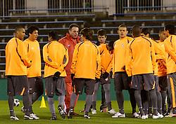 O capitão Fernandão e a equipe do S.C. Internacional, chegam no ônibus para treinar em Tókio, Japão. FOTO: Jefferson Bernardes/Preview.com