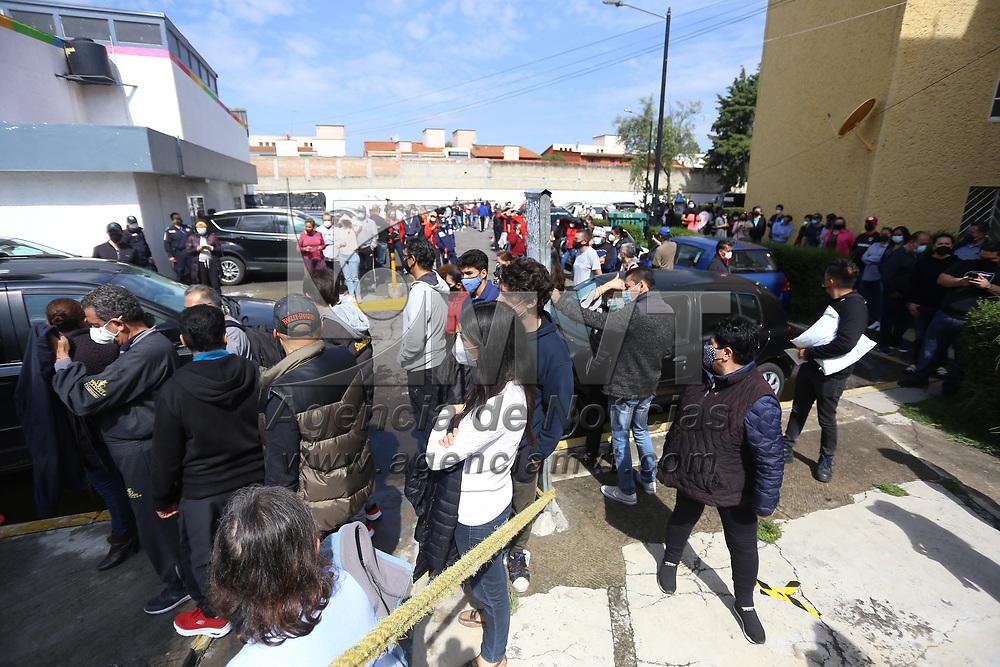 Metepec, México.- Aspectos de la seguridad implementada por la policía estatal y la Guardia Nacional en la casilla 2491 ubicada en la Unidad Habitacional Lázaro Cardenas, donde esta mañana un grupo de sujetos vandalizó las instalaciones. Agencia MVT / Ramsés Mercado.