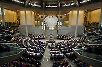 30 NOV 2005, BERLIN/GERMANY:<br /> Uebersicht Plenarsaal, waehrend der Regierungserklaerung von Angela Merkel, CDU, Bundeskanzlerin, Deutscher Bundestag<br /> IMAGE: 20051130-01-025<br /> KEYWORDS: Rede, speech, plenum, Bundesadler, Übersicht