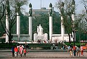 MEXICO, MEXICO CITY Chapultepec Park; Monument