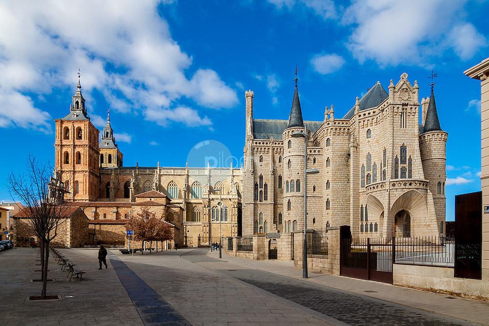Catedral de Astorga y Palacio Episcopal © / PILAR REVILLA ©Country Sessions / PILAR REVILLA