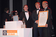 Uitreiking Koning Willem 1 Prijs in theater Diligentia in den Haag.<br /> <br /> Presentation of the King Willem 1 award for best inovating company in the Hague.<br /> <br /> Op de foto/ On the photo Winnaar  Bij de ondernemingen tot 250 werknemersSolland Solar Cells in Heerlen